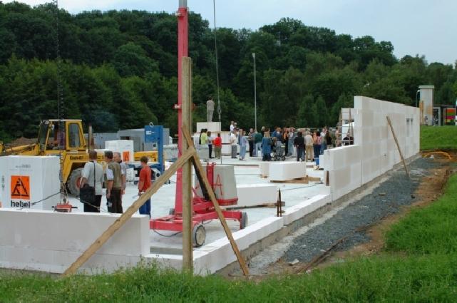 Bau_2002-08-08_003_Grundsteinlegung.jpg