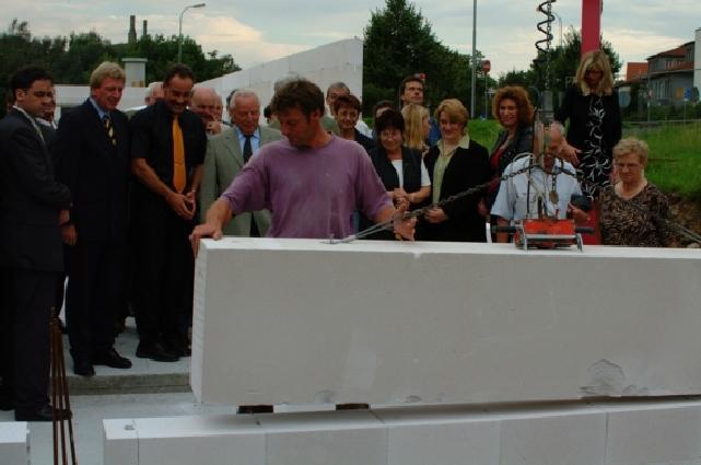 Bau_2002-08-08_009_Grundsteinlegung.jpg
